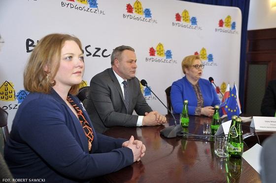Dawn Embry, Rafał Bruski, Edyta Wiwatowska